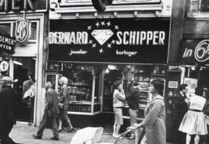 Jeweler Bernard Schipper (beeldbank.amsterdam.nl)