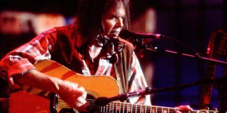 Neil Young - Live 1992 (rollingstone.com)