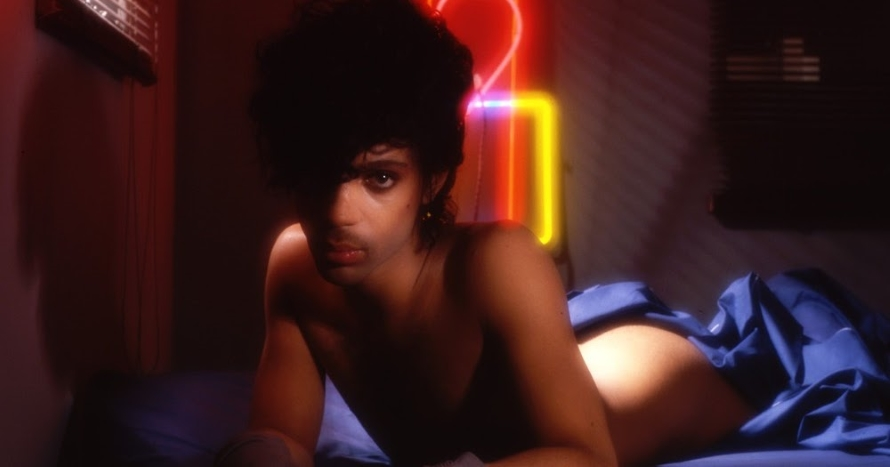 Prince - 1999 photo outtake (blueiskewl.blogspot.com)
