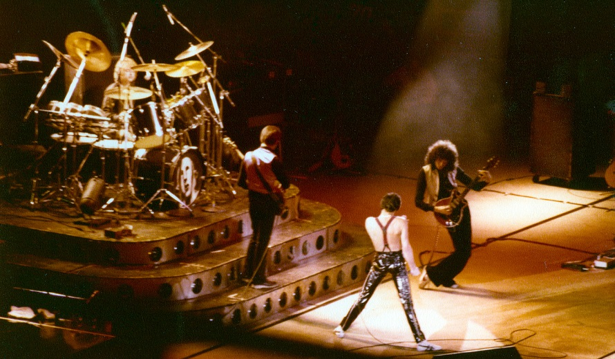 Queen - Live News Of The World Tour 1978 (queenphotos.wordpress.com)