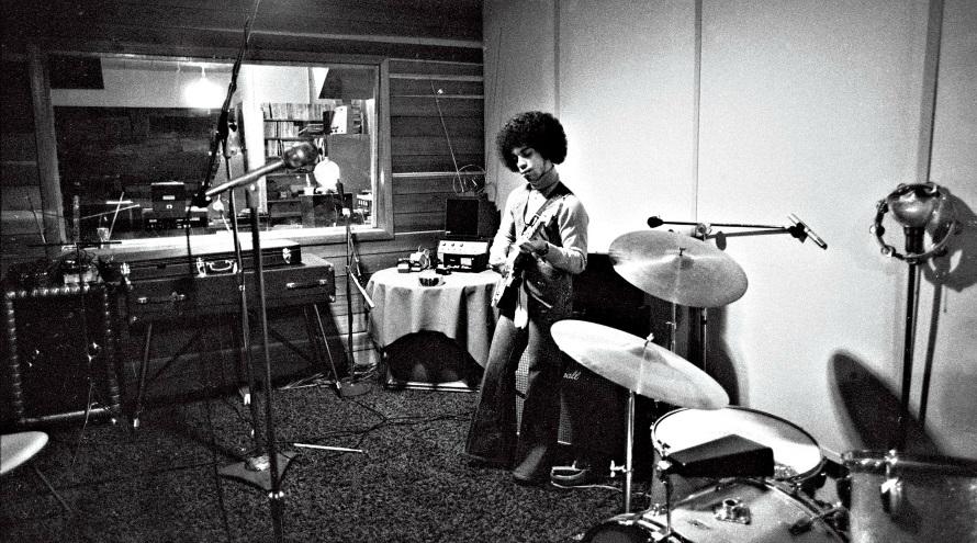 Prince recording, 1977 (nightflight.com)