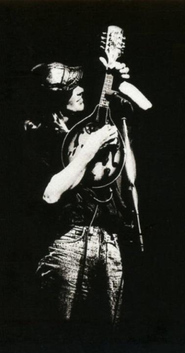Mike Scott (foto van de 'The Best Of The Waterboys 81-90' hoes) (cdworld.ie)