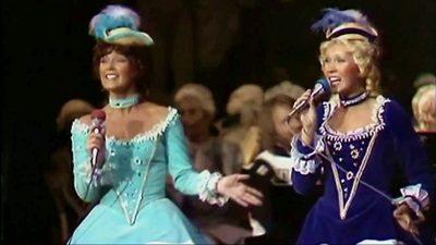 ABBA - Dancing Queen, 18-06-1976 (abbaontv.com)