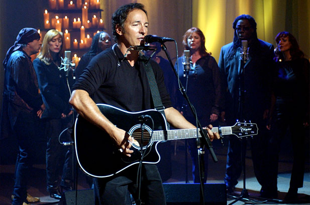 Bruce Springsteen - A Tribute To Heroes (billboard.com)