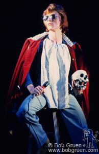 David Bowie - Live 1974 - Schedel (bobgruen.com)