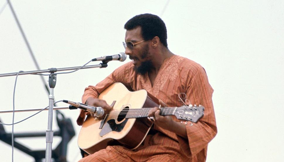 Richie Havens - Freedom tijdens Woodstock (boards.rebkell.net)