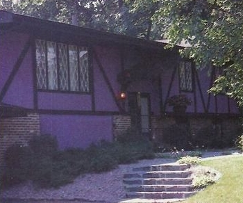 Prince home & home studio Kiowa Trail, Chanhassen, Minneapolis (pinterest.com)