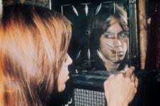 Iggy Pop 1972 (iggyandthestoogesmusic.com)