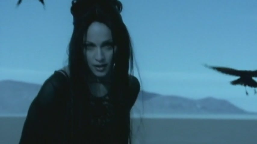 Madonna - Frozen - video (horrornews.net)