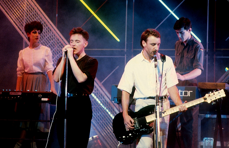 New Order - Blue Monday - Top Of The Pops 1983 (rockmusictimeline.com)
