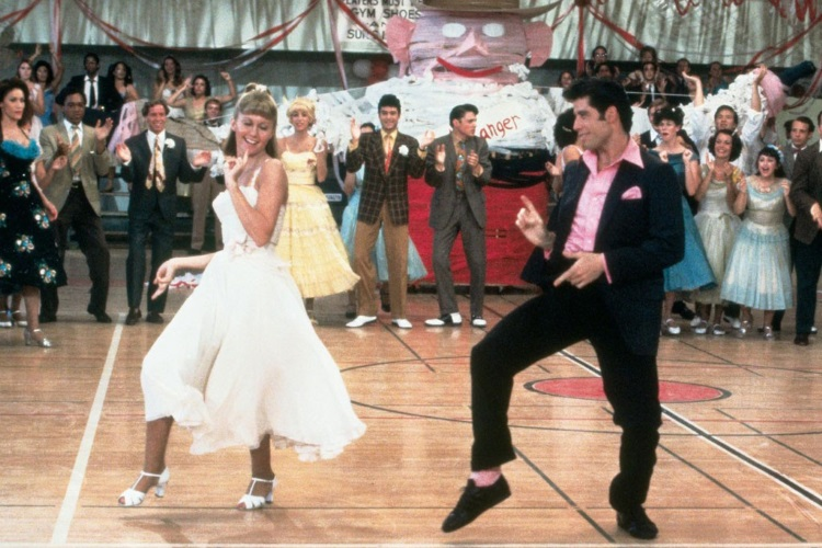 Grease - Senior prom (rottentomatoes.com)