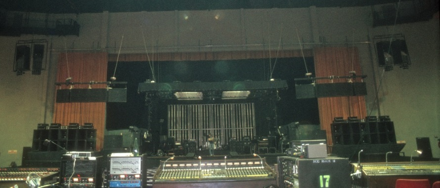 David Bowie - Isolar 2 - Stage setup and equipment (jpjaudio.com.au)