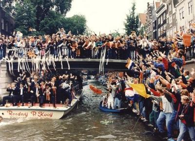 Rondvaart Nederlands Elftal Amsterdam (26-06-1988) (parool.nl)