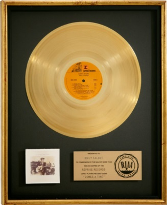 Neil Young - Comes A Time - Gold record (ha.com)