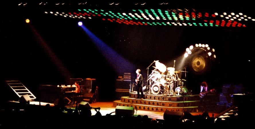 Queen - Jazz Tour/Live Killers - Ahoy Rotterdam 29-01-1979 (queenconcerts.com)
