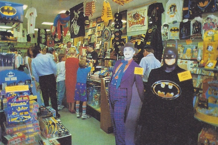 Complete madness: merchandising is increasingly important - Oor 16, 08/12/1989 (apoplife.nl)