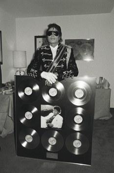 Michael Jackson - Thriller - Award (newyorker.com)