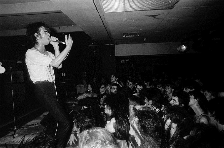 Nick Cave And The Bad Seeds - Live 1984 (nyt.com)
