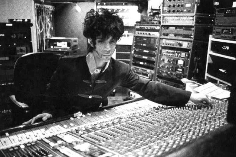Prince in the studio 1993 (medium.com)