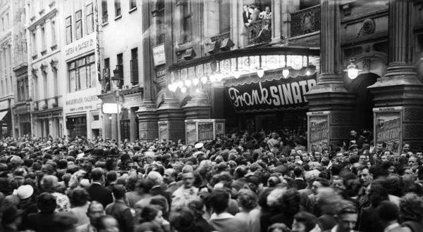 Sinatramania (pinterest.com)
