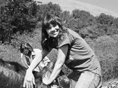Neil Young & Carrie Snodgress (pinterest.com)