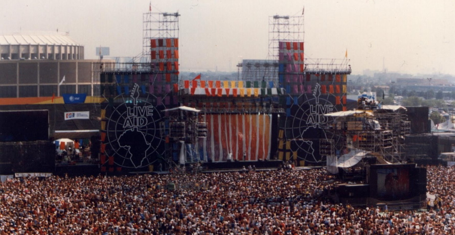 Live Aid JFK Stadium (pinterest.com)