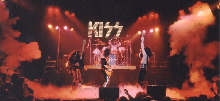 Kiss - Live New York City 03/21/1975 (fanpop.com)