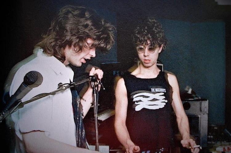 Mike Scott & Karl Wallinger 1985 (facebook.com)