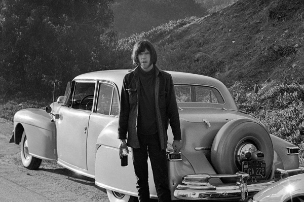 Neil Young 1968 (pinterest.com)