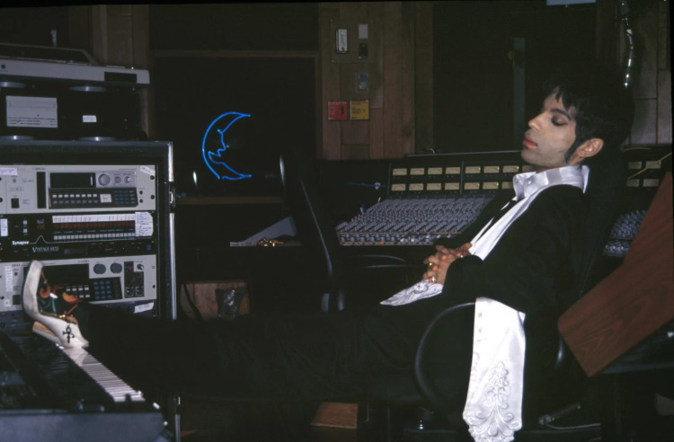 Prince in Paisley Park 1994-1995 (wmagazine.com)