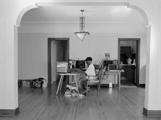 J Dilla at work (observer.com)