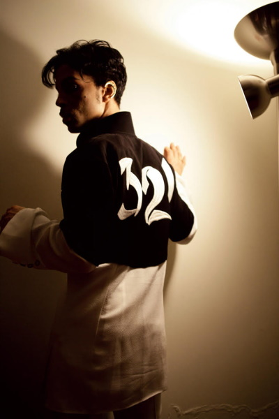 Prince - 3121 - Albumhoes fotomoment (facebook.com/prince)