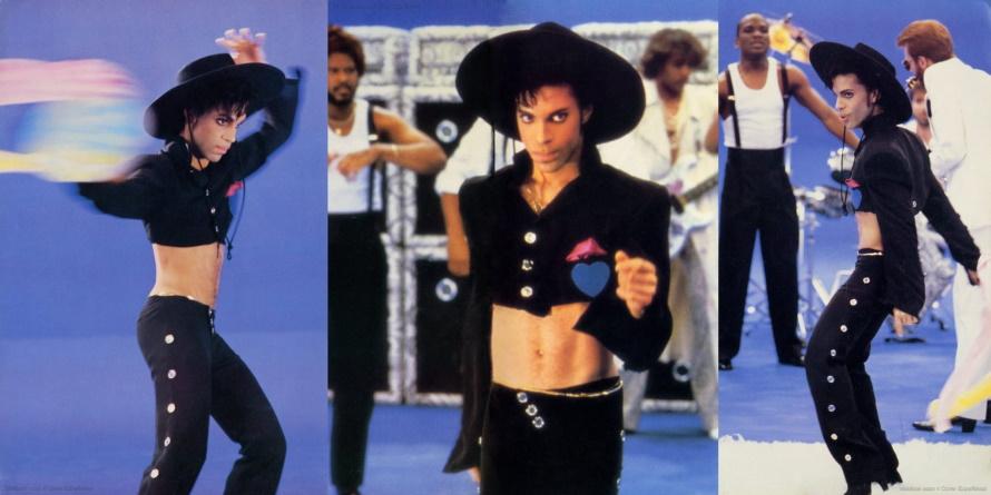 Prince And The Revolution - Parade Tour Book - Pagina's 16 & 17 (facebook.com/prince-tour-books)