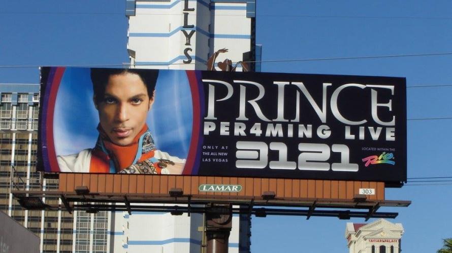 Prince - Per4ming Live 3121 - Billboard (facebook.com/prince)