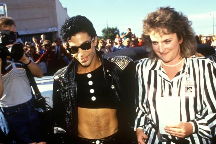 Prince met winnares Lisa Barber 01-07-1986 (facebook.com)