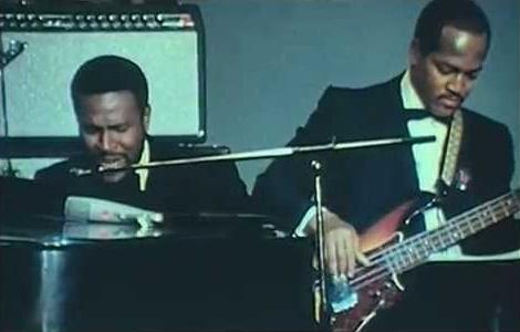 Marvin Gaye and James Jamerson (bassguitarshack.com)