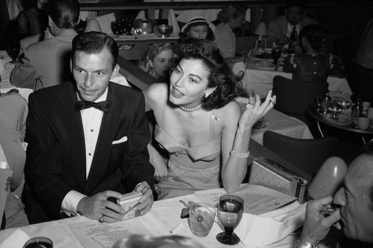 Frank Sinatra & Eva Gardner - Desert Inn 04-09-1951 (vintagelasvegas.com)
