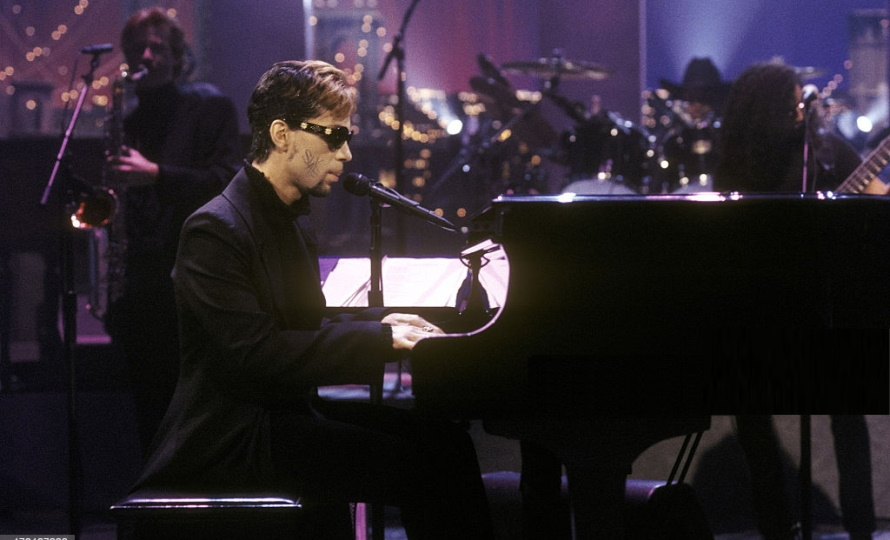 Prince - The Late Show 08-07-1996 (cbslocal.com)